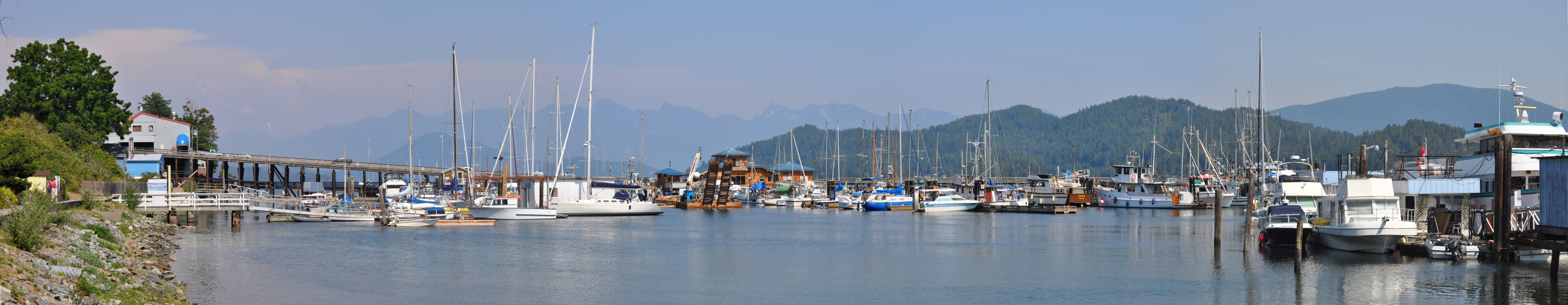 Gibsons Harbour (panoramic view)